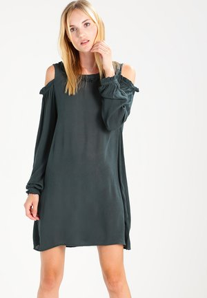 MENORA - Day dress - green spruce