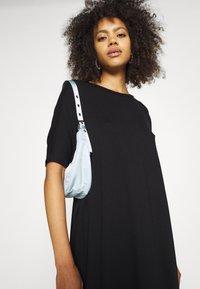 Monki - Jerseyklänning - black dark - 3