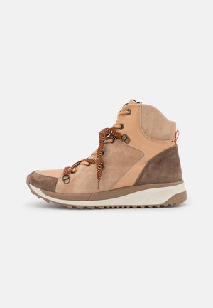 MATILDA - Šněrovací kotníkové boty - beige