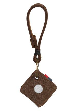 Keyring - brown pebbled nubuck [02221]