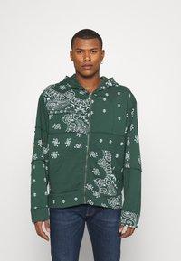 Jaded London - CUT AND SEW BANDANA HOODIE - Zip-up sweatshirt - green - 0