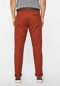 WE Fashion - EFFEN  - Chinot - red - 2