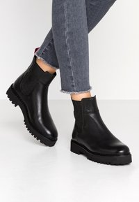 Marc O'Polo - Classic ankle boots - black - 0