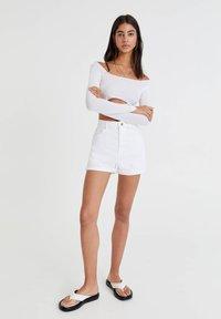 PULL&BEAR - Denim shorts - white - 1