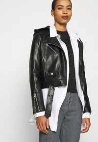 Calvin Klein - HIGH RISE SHANK DETAIL - Slim fit jeans - maceio mid grey - 3