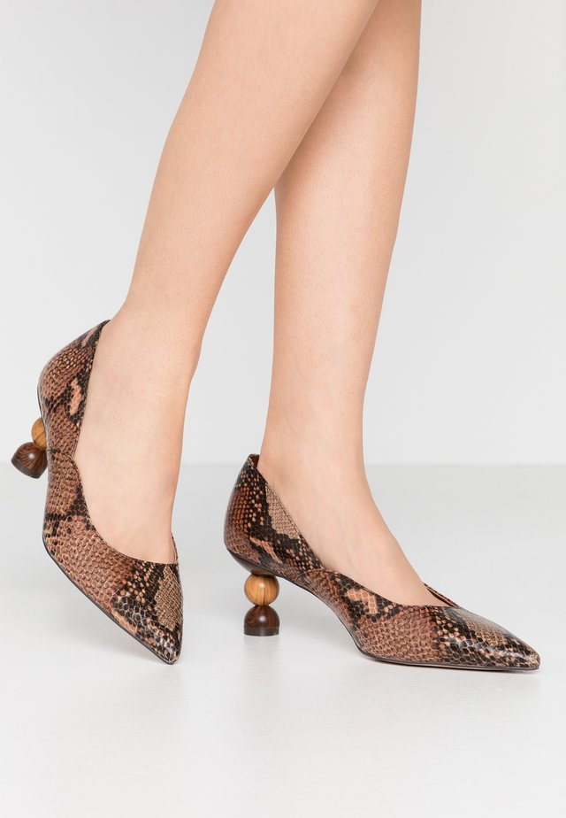 Tacones - brown