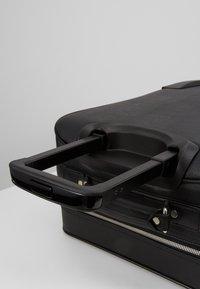 KARL LAGERFELD - IKONIK TROLLEY - Valise à roulettes - black - 8
