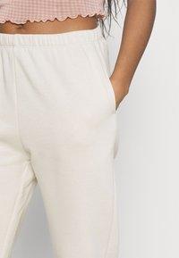 Nly by Nelly - COZY PANTS - Pantalon de survêtement - cream - 4