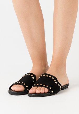 CHIARA - Pantofle - black