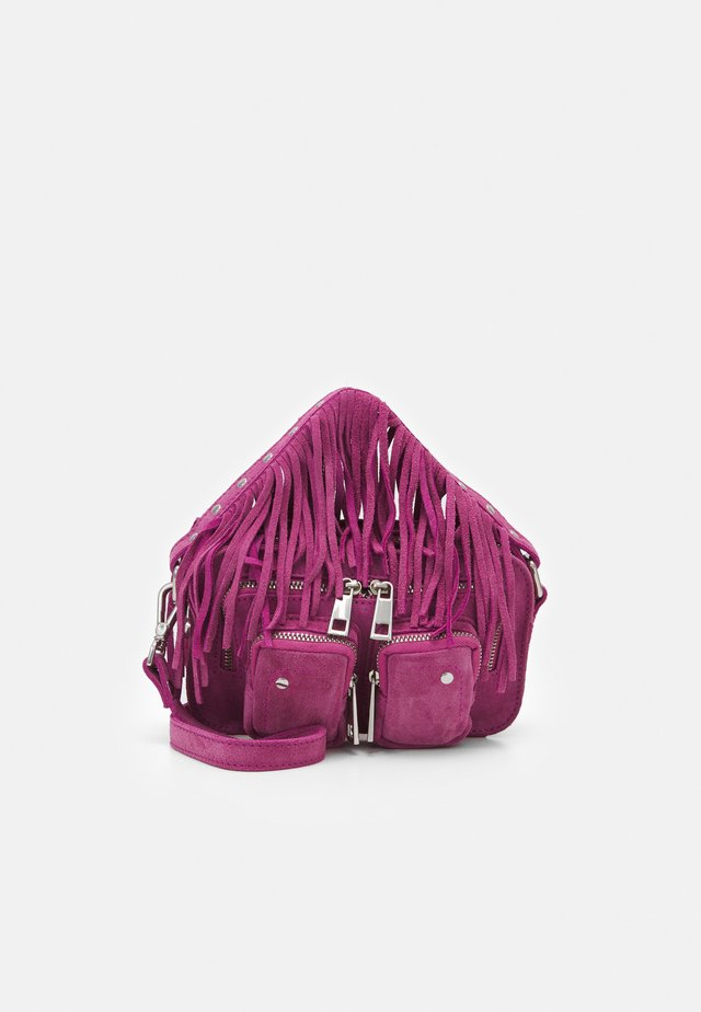 HELENA FRINGES - Across body bag - rouge