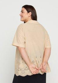 Zizzi - Button-down blouse - beige - 2