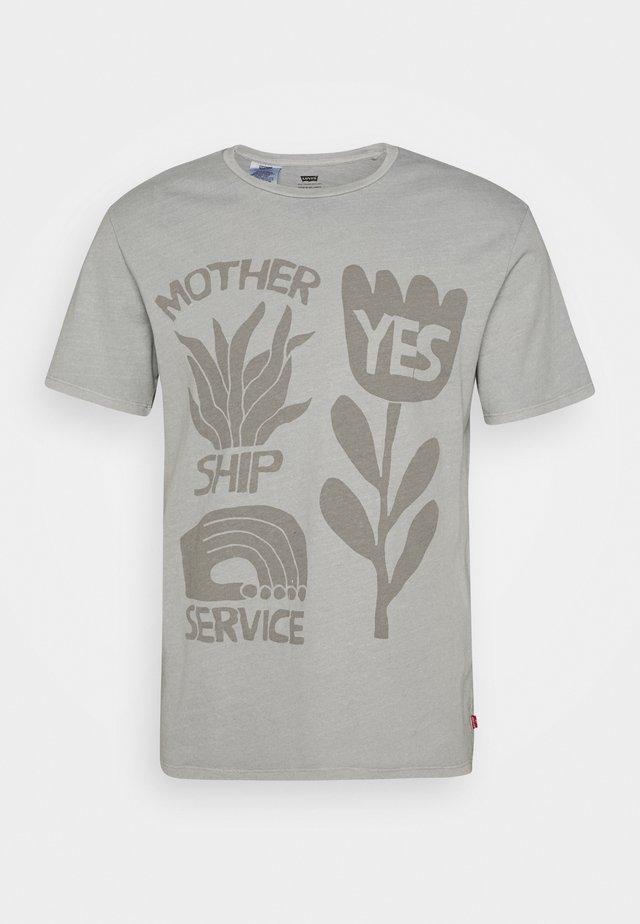 WELLTHREAD GRAPHIC TEE - T-shirt con stampa - grey