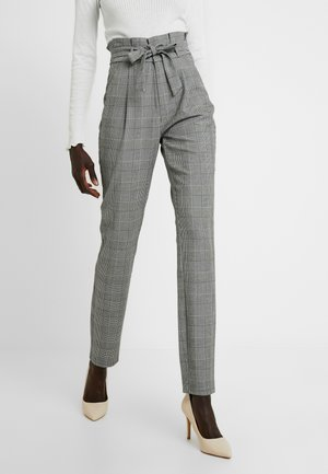VMEVA LOOSE PAPERBAG CHECK PANT - Pantalon classique - grey/white