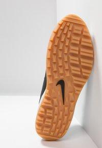 Nike Golf - AIR MAX 1 G - Golfskor - black/light brown - 4