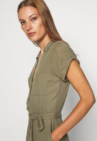 Abercrombie & Fitch - UTILITY ROMPER - Jumpsuit - olive - 4