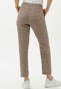 BRAX - Broek - brown sugar - 2