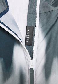 adidas Performance - BACK TO SPORT WIND.RDY ANORAK - Chaqueta outdoor - crew navy/blue oxide - 5