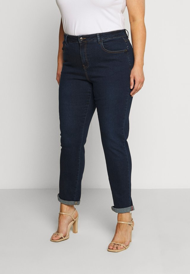 REGULAR GIRLFRIEND - Relaxed fit jeans - midwash