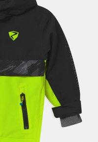 Ziener - ABSALOM UNISEX - Snowboard jacket - poison yellow - 2
