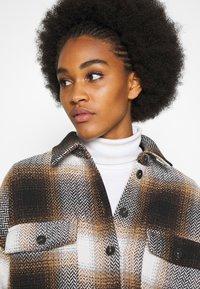 Noisy May - NMFLANNY CHECK  - Button-down blouse - birch/brown sugar/dark brown/black - 4