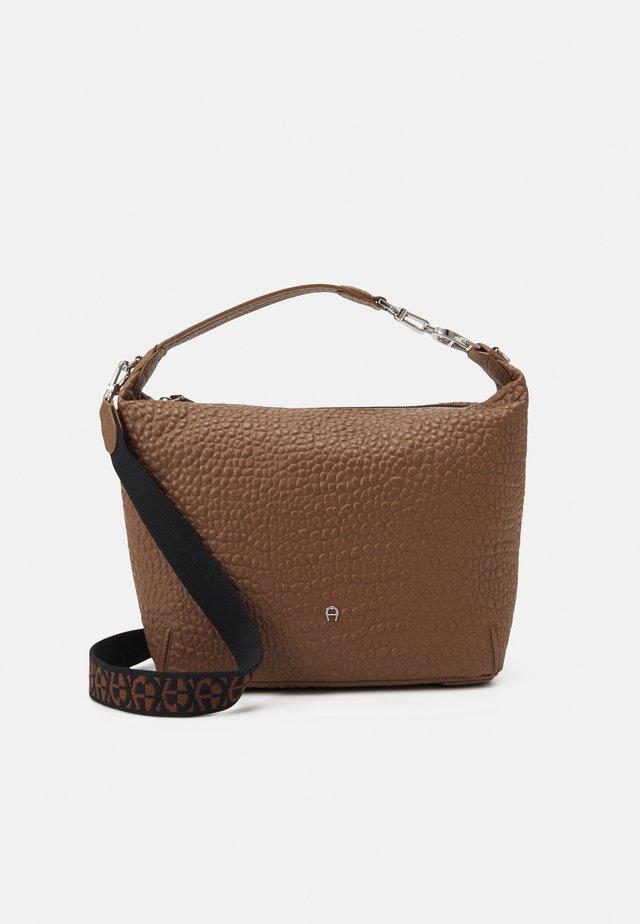 PALERMO - Handbag - dark toffee brown