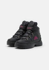 Kappa - SHIVOO ICE UNISEX - Trekingové boty - black/pink - 1