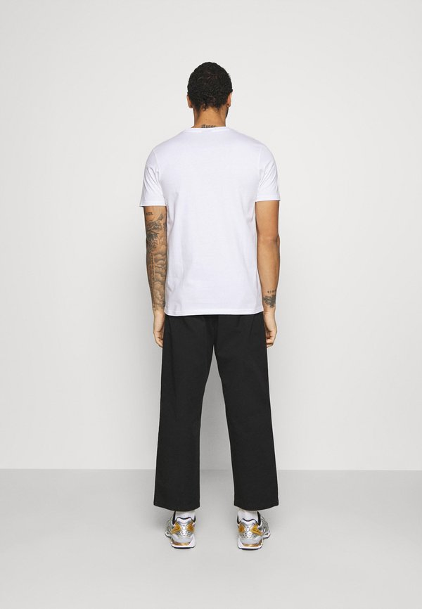 Ellesse MAVOZ - T-shirt z nadrukiem - white/biały Odzież Męska UQFT