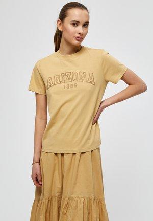 ARIZONA  - T-shirt con stampa - prairie sand