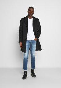 Replay - ANBASS HYPERFLEX RE-USED - Jeans slim fit - light-blue denim - 1