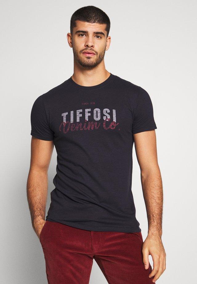 MARSEILLE - T-shirt z nadrukiem - dark navy