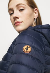 Save the duck - GIGA BRYANNA DETACHABLE HOODED - Winter coat - navy blue - 6