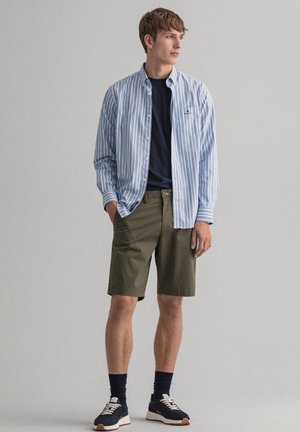 RELAXED FIT - Shorts - dark leaf