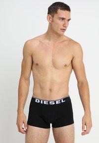 Diesel - UMBX-DAMIENTHREEPACK BOXER 3PACK - MPACK:3 - Pants - schwarz/weiss/grau - 0