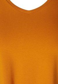 Zizzi - Basic T-shirt - brown - 4