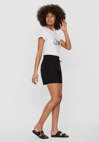 Vero Moda - VMEVA  - Shorts - black - 1