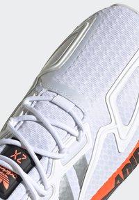 adidas Originals - ZX 2K BOOST UNISEX - Trainers - footwear white/silver metallic/core black - 9