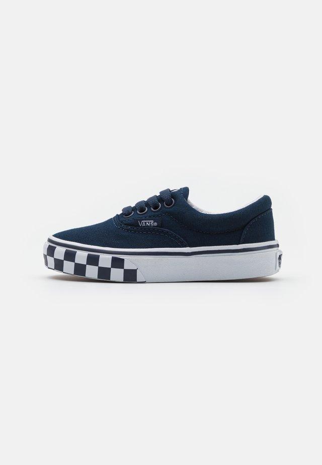 ERA UNISEX - Sneakers laag - dress blue/true white