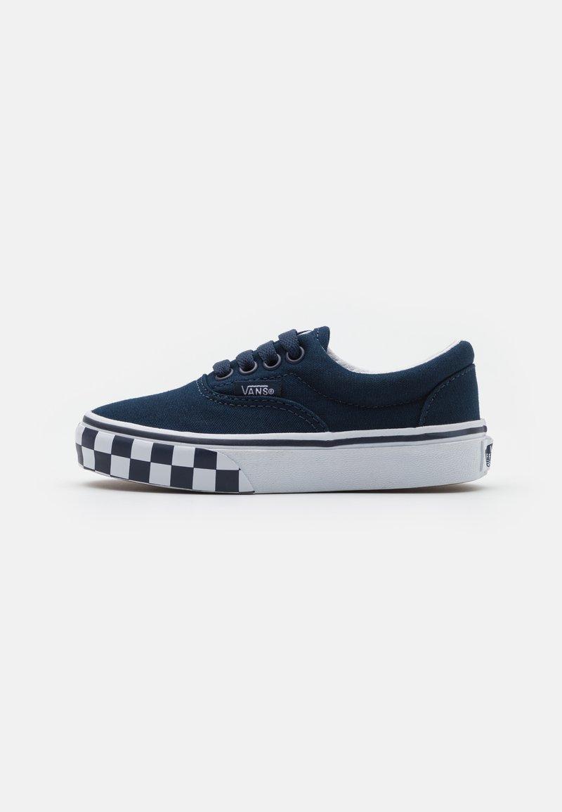 Vans - ERA UNISEX - Trainers - dress blue/true white