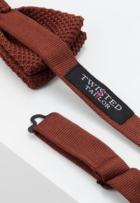 Twisted Tailor - JAGGER - Mucha - russet - 2