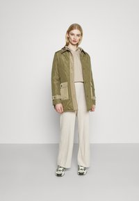 Nly by Nelly - DROPPED CROPPED HOODIE - Sweatshirt - beige tuffet - 4