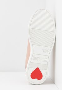 Love Moschino - Sneaker low - powder - 6