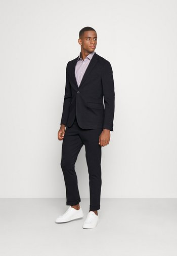 THE RELAXED SUIT  - Puku - dark blue