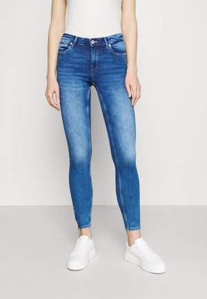 ONLKENDELL LIFE - Vaqueros pitillo - medium blue denim