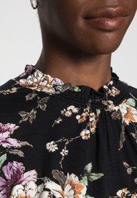 Cream - DIBA TURTLENECK - Bluzka z długim rękawem - pitch black - 4
