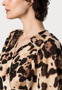 InWear - YASMEEN WRAP DRESS - Day dress - natural big - 4