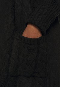 CAPSULE by Simply Be - COSY LONGLINE DEEP CUFF CARDI - Cardigan - black - 5