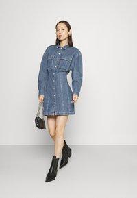 Levi's® - BRAELYN UTILITY DRESS - Spijkerjurk - blue denim - 1