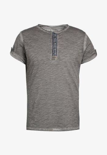 ARENA - Print T-shirt - silber