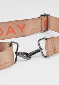 DAY Birger et Mikkelsen - STRAP - Pásek - light brown/orange - 2