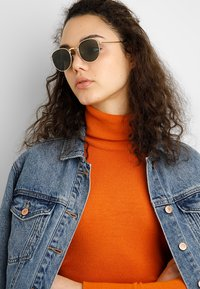 A.Kjærbede - HELLO - Sunglasses - gold-coloured - 1